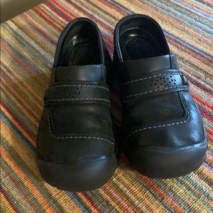 Keen Women's slip on. Black size 6.5